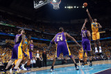 Los Angeles Lakers v New Orleans Hornets, New Orleans, LA - APRIL 22: Emeka Okafor and Andrew Bynum Photographic Print by Layne Murdoch