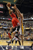 Chicago Bulls v Indiana Pacers - Game Three, Indianapolis, IN - APRIL 21: Derrick Rose and Jeff Fos Photographie par Andy Lyons