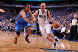 Oklahoma City Thunder v Dallas Mavericks - Game One, Dallas, TX - MAY 17: Jason Kidd and Thabo Sefo Photographic Print by Andrew Bernstein