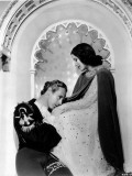 Norma Shearer and Leslie Howard: Romeo and Juliet, 1936 Photographic Print