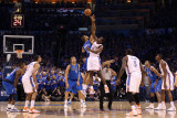 Dallas Mavericks v Oklahoma City Thunder - Game Four, Oklahoma City, OK - MAY 23 Photographic Print by Christian Petersen