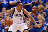 Oklahoma City Thunder v Dallas Mavericks - Game Two, Dallas, TX - MAY 19: Shawn Marion and Russell  Lámina fotográfica por Tom Pennington