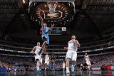 Oklahoma City Thunder v Dallas Mavericks - Game Two, Dallas, TX - MAY 19: Eric Maynor, Peja Stojako Photographic Print by Danny Bollinger