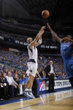 Oklahoma City Thunder v Dallas Mavericks - Game Two, Dallas, TX - MAY 19: Jason Kidd and James Hard Photographic Print by Danny Bollinger