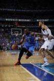 Oklahoma City Thunder v Dallas Mavericks - Game Two, Dallas, TX - MAY 19: Kendrick Perkins and Tyso Fotografisk tryk af Danny Bollinger