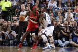 Portland Trail Blazers v Dallas Mavericks - Game One, Dallas, TX - APRIL 16: Gerald Wallace and DeS Photographie par Danny Bollinger