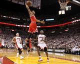 Chicago Bulls v Miami Heat - Game Four, Miami, FL - MAY 24: Derrick Rose, LeBron James and Mike Bib Foto af Mike Ehrmann