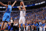 Oklahoma City Thunder v Dallas Mavericks - Game Two, Dallas, TX - MAY 19: Jose Barea and Eric Mayno Lmina fotogrfica por Andrew Bernstein
