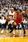 Chicago Bulls v Miami Heat - Game Three, Miami, FL - MAY 22: Mike Bibby and Derrick Rose Photographic Print by Marc Serota