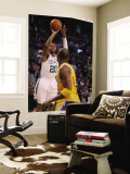 Los Angeles Lakers v Boston Celtics, Boston, MA - February 10: Ray Allen and Kobe Bryant Reproduction murale géante par Elsa Unknown