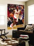 Detroit Pistons v Miami Heat: LeBron James and Tayshaun Prince Vægplakat af Victor Baldizon