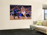 Oklahoma City Thunder v Dallas Mavericks - Game One, Dallas, TX - MAY 17: Peja Stojakovic and Kevin Vægplakat af Andrew Bernstein