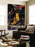 Washington Wizards v Los Angeles Lakers: Kobe Bryant and Gilbert Arenas Wall Mural by  Jeff