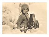 Child in Snow with Old Camera Affiches