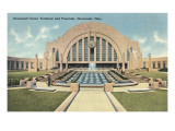 Cincinnati Union Terminal and Fountain, Cincinnati, Ohio Posters