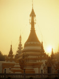Wat Chong Kham, Mae Hong Son, Thailand Photographic Print by Steve Vidler