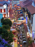 Market and Restuarants in Chinatown, Singapore, at Dusk Fotografie-Druck von Peter Adams