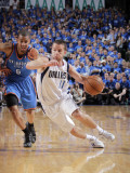 Oklahoma City Thunder v Dallas Mavericks - Game Five, Dallas, TX - MAY 25: Jose Barea and Eric Mayn Lmina fotogrfica por Glenn James