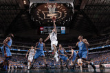 Oklahoma City Thunder v Dallas Mavericks - Game Five, Dallas, TX - MAY 25: Jose Juan Barea and Kevi Lmina fotogrfica por Danny Bollinger