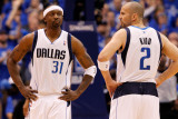 Oklahoma City Thunder v Dallas Mavericks - Game Five, Dallas, TX - MAY 25: Jason Terry and Jason Ki Photographic Print by Tom Pennington