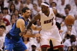 Dallas Mavericks v Miami Heat - Game One, Miami, FL - MAY 31: LeBron James and Peja Stojakovic Photographic Print by Ronald Martinez
