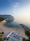 Beach, Sirolo, Marche, Italy Fotografie-Druck von Peter Adams