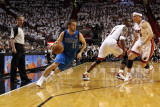 Dallas Mavericks v Miami Heat - Game One, Miami, FL - MAY 31: Jose Juan Barea, Mike Bibby and Chris Lmina fotogrfica por Mike Ehrmann