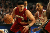 Miami Heat v Chicago Bulls - Game Five, Chicago, IL - MAY 26: Mike Bibby and Derrick Rose Photographic Print by Jonathan Daniel