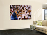 Dallas Mavericks v Miami Heat - Game One, Miami, FL - MAY 31: LeBron James and Peja Stojakovic Vægplakat af Ronald Martinez