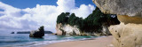 Rock Formations on the Beach, Cathedral Cove, Coromandel Peninsula, North Island, New Zealand Stampa fotografica