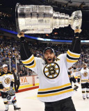 Boston Bruins - Patrice Bergeron w/ Stanley Cup Photo