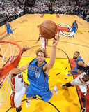 Dallas Mavericks v Miami Heat - Game Six, Miami, FL - June 12: Dirk Nowitzki and Udonis Haslem Photographie par Andrew Bernstein