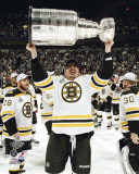 Boston Bruins - Tomas Kaberle w/ Stanley Cup Photo