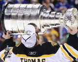 Boston Bruins - Tim Thomas w/ Stanley Cup Photo