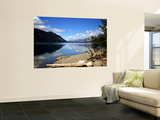 Teslin Lake Along the Alaska Highway With Big Salmon Range of Pelly Mountains, Canada Mural por Bernard Friel