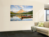 Swiftcurrent Lake, Many Glacier, Glacier National Park, Montana, USA Mural por Jamie & Judy Wild