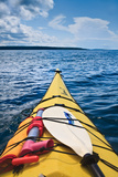 Sea Kayaking Impressão fotográfica por Steve Gadomski