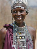 A Maasai Girl from the Kisongo Clan Wearing an Attractive Beaded Headband and Necklace Lámina fotográfica por Nigel Pavitt