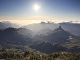 Canary Islands, Gran Canaria, Central Mountains, View of West Gran Canaria from Roque Nublo Papier Photo par Michele Falzone