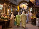 Street Life on Talaa Kbira in the Old Medina of Fes, Morocco Fotografie-Druck von Julian Love