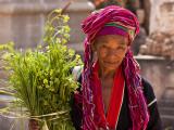 Myanmar, Burma, Kekku; Palaung Tribal Lady on Pilgrimage from Her Village Papier Photo par Katie Garrod