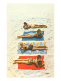Bathing Beauties on Beach Towels Affiche
