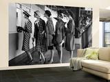 """""""5 mannequins portant des robes à la mode au guichet d'un Hypodrome"""" Hypodrome de Roosevelt Reproduction murale XXL par Nina Leen"""