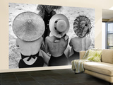 Models on Beach Wearing Different Designs of Straw Hats Reproduction murale (géante) par Nina Leen