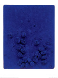 Blaues Schwammrelief (Relief &#201;ponge Bleu: RE19), 1958 Print by Yves Klein