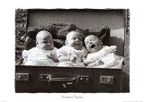 Briefcase Triplets Kunst
