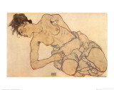Femme &#224; demi nue agenouill&#233;e Affiches par Egon Schiele