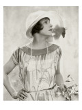 Vanity Fair - June 1924 Regular Photographic Print by Edward Steichen