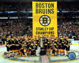 The Boston Bruins raise their 2011 Stanley Cup Chapionship Banner Photographie