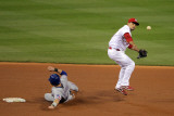 Texas Rangers v St Louis Cardinals, St Louis, MO - Oct. 27: Rafael Furcal and Michael Young Fotografie-Druck von Doug Pensinger